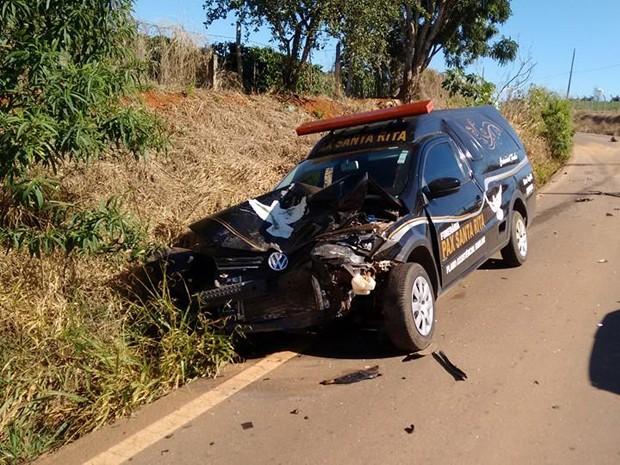 Carro de funerária que transportava corpos de vítimas de acidente foi atingido em Boa Esperança (Foto: Silvano Damazo)