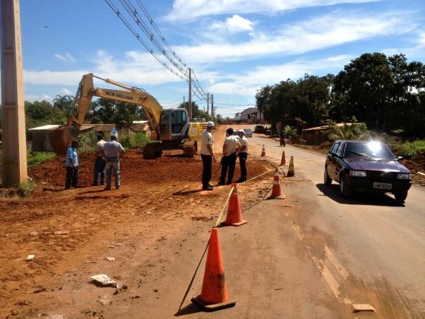Manutenção da avenida iniciou na manhã desta sexta-feira, 17 (Foto: Halex Frederic/G1)