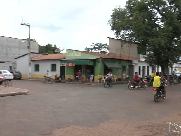 Apenas três policiais militares realizam a segurança no município de Timbiras (Foto: Reprodução/TV Mirante)