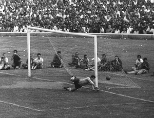 ESPECIAL FLA-FLU Marcial 1963 (Foto: Ag&#234;ncia Jornal do Brasil)