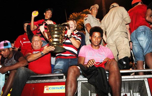 campinense, desfile, carro aberto, copa do nordeste (Foto: Magnus Menezes / Jornal da Paraíba)