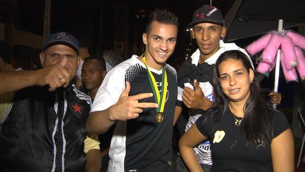 torcida do botafogo-pb, botafogo-pb, festa do botafogo-pb, goleiro remerson, remerson (Foto: Reprodução / TV Cabo Branco)