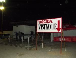 Estádio Barretão - Bilheteria da torcida visitante (Foto: Jocaff Souza)