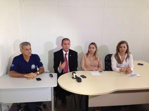 Delegados explicam como grupo agia em Alagoas e outros estados. (Foto: Natália Souza/G1)