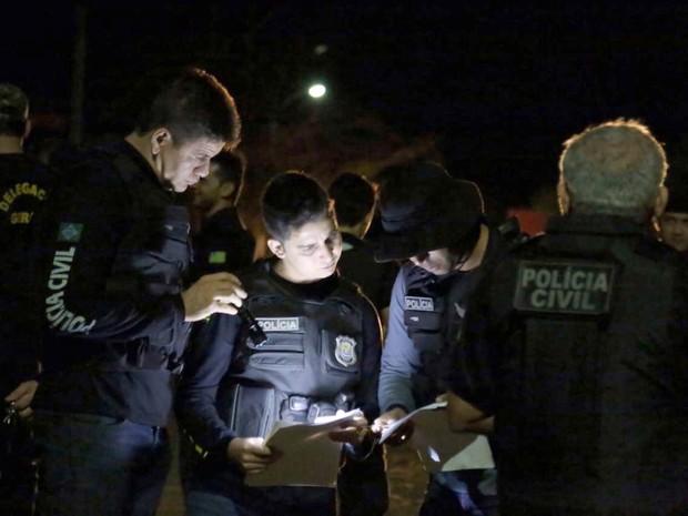 Operação foi deflagrada durante a madrugada e prendeu oito pessoas (Foto: Divulgação/Polícia Civil)