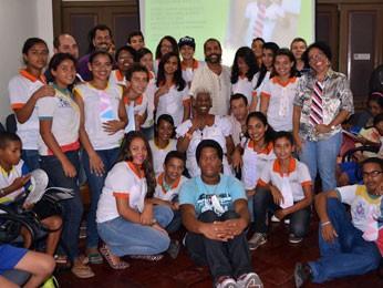 A Gerência de Igualdade Racial do Recife promove atividades em escolas da rede municpal (Foto: Samuel da Luz/Acervo pessoal)