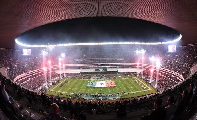 Estádio Azteca recebe jogo da NFL entre Oakland Raiders e Houston Texans (Foto: Reuters)