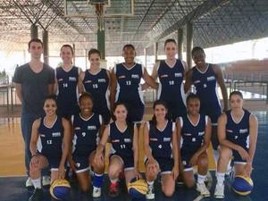 Basquete feminino Uberaba Copa Revelar 2014 (Foto: Camila Alves/ Arquivo Pessoal)