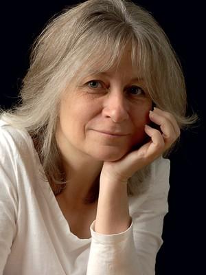 COMO UMA PAIXÃO A historiadora Louise Foxcroft. Ela diz que a cultura da dieta nos torna obsessivos (Foto: Divulgação)