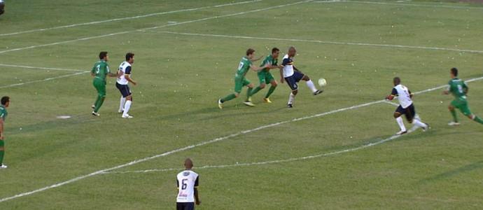 São Carlos 2 x 0 Rio Preto (Foto: Rodrigo Sargaço/EPTV)