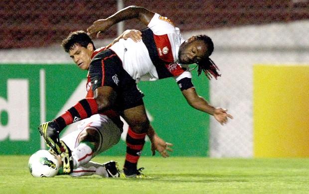 Vagner Love, Portuguesa e Flamengo (Foto: Sergio Alves / Agência Estado)