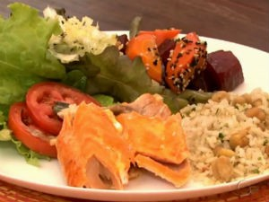 Nutricionista explica como montar prato saudável  (Foto: Reprodução/ TV Gazeta)