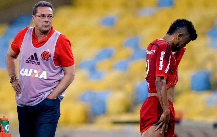 Léo Moura - Flamengo x Chapecoense (Foto: Jorge Rodrigues / Eleven / Agência Estado)