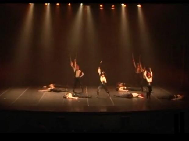 Grupo de ballet em Guarujá se apresentará em Joinville (Foto: Reprodução / TV Tribuna)