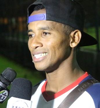 Flamengo-PI x 4 de Julho - Juninho Pindaré (Foto: Wenner Tito)