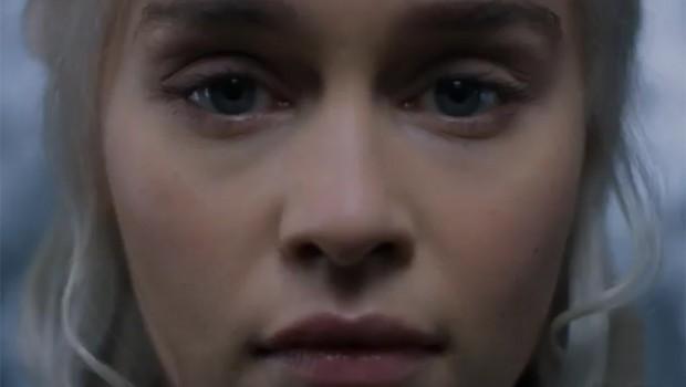 Emilia Clarke no teaser de Game of Thrones (Foto: reprodução)