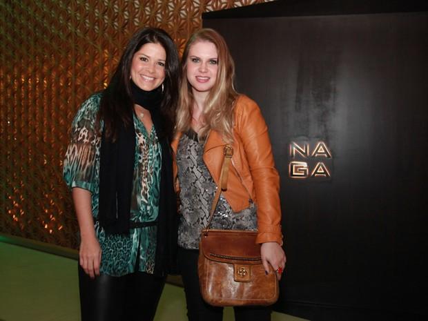 Samara Felippo e Carolinie Figueiredo em inauguração de restaurante na Zona Oeste do Rio (Foto: Miguel Sá/ Divulgação)