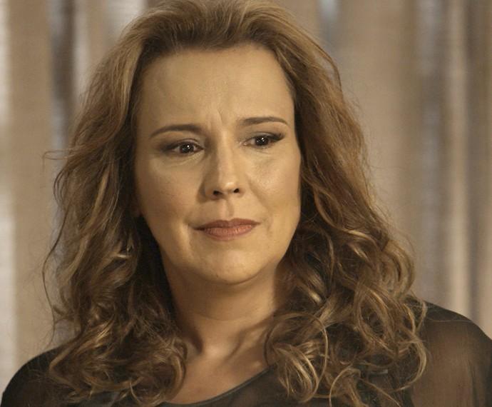 Emília encara Bernardo (Foto: TV Globo)
