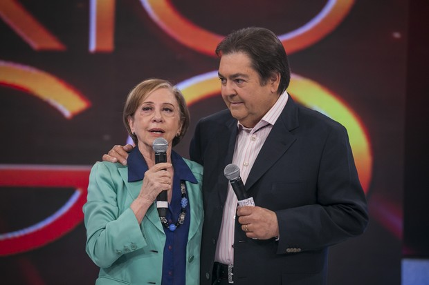 Fernanda Montenegro e Faustão no prêmio Melhores do Ano, do Domingão do Faustão (Foto: Paulo Belote / Globo)