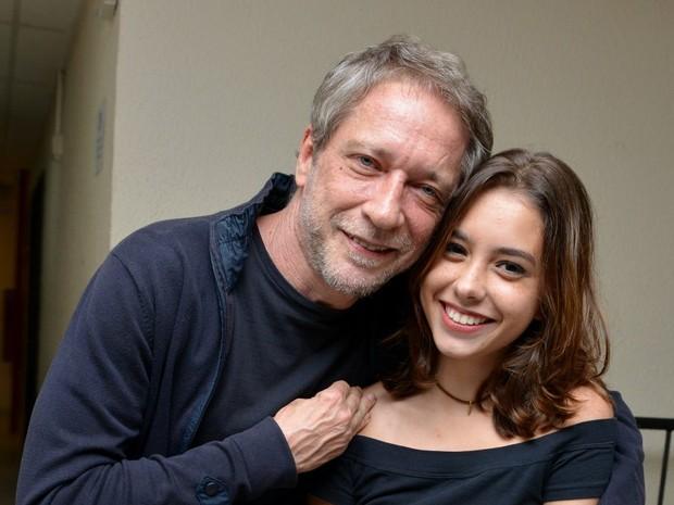Luiz Stein com a filha caçula, Alice, em show no Rio (Foto: Cristina Granato/ Divulgação Fernanda Abreu)