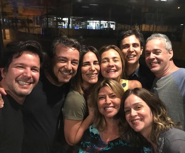 Adriana Esteves comemora aniversário com amigos (Foto: Instagram / Reprodução)