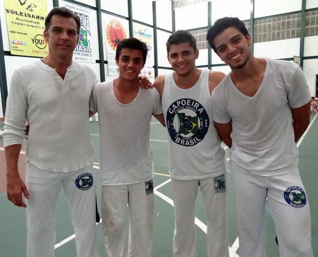 Beto Simas com seus filhos Rodrigo Simas, Bruno Gissoni e Felipe Simas (Foto: Domingão do Faustão / TV Globo)