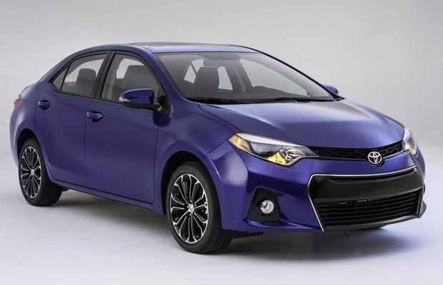 O Toyota Corolla 2014 para os EUA segue de perto as linhas do conceito Furia (Foto: Toyota)