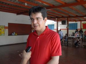 Senador Randolfe Rodrigues (PSOL) não declarou apoio a nenhuma candidatura no 1º turno (Foto: Gabriel Penha/G1)
