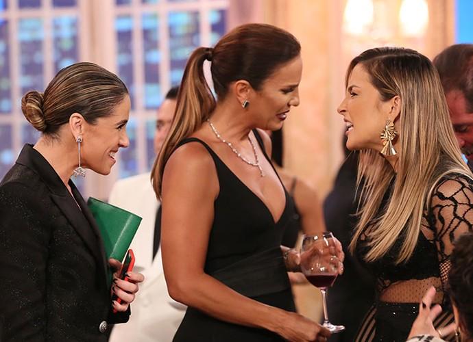Só musa!! Giovanna Antonelli faz graça para as amigas Ivete Sangalo e Claudia Leitte (Foto: Isabella Pinheiro/Gshow)