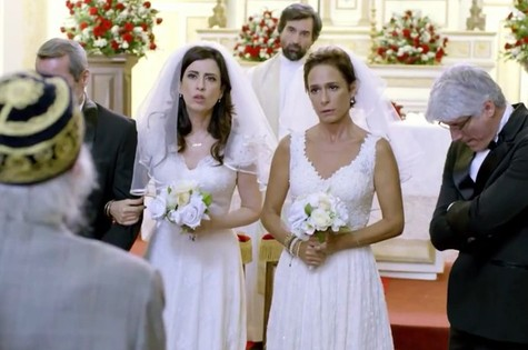 Cena do último capítulo de 'Tapas & beijos'' (Foto: TV Globo)