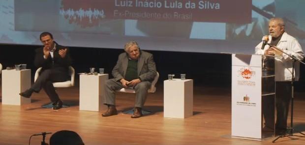 Lula discursa em seminário internacional que contou com a presença do ex-presidente do Uruguai José Mujica (Foto: Reprodução / Prefeitura São Bernardo do Sul)