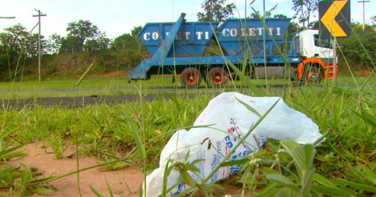 Motoristas dispensam toneladas de lixo nas rodovias de São Carlos ... - Globo.com