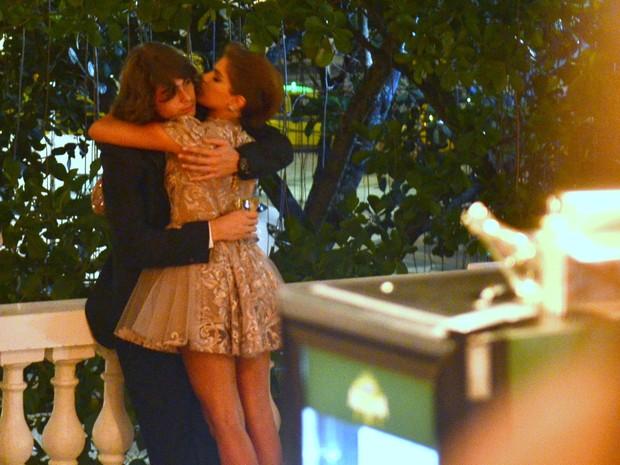 Rafael Vitti e Isabella Santoni em prêmio na Zona Sul do Rio (Foto: Roberto Teixeira/ EGO)