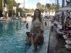 Enquanto Neymar está em Salvador, Carol Abranches curte folia em Miami