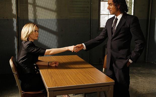 Detetive Ramsey com a advogada Cabot