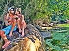 Ex-BBBs Aline e Fernando são 'só love' em praia