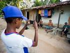 Adolescentes participam de oficinas gratuitas de fotografia em Igreja Nova