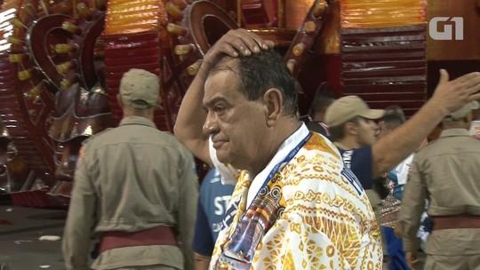 Presidente da União da Ilha passa mal e é retirado de ambulância