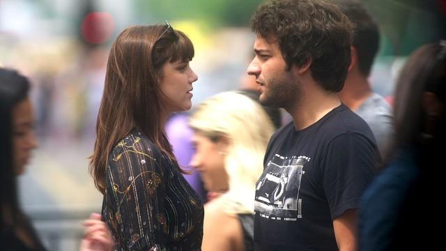 Alice Wegmann e Humberto Carrão como Isabela e Tiago de 'A lei do amor' (Foto: Reprodução)