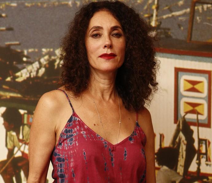 Christiane Torloni posa poderosa com o cabelo frisado (Foto: Inacio Moraes/ Gshow)
