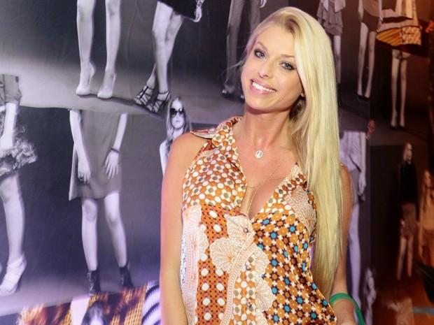 Caroline Bittencourt em evento em São Paulo (Foto: Paduardo/ Ag. News)
