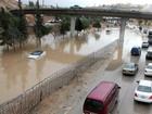 Chuvas varrem deserto da Jordânia e causam enchentes no Oriente Médio