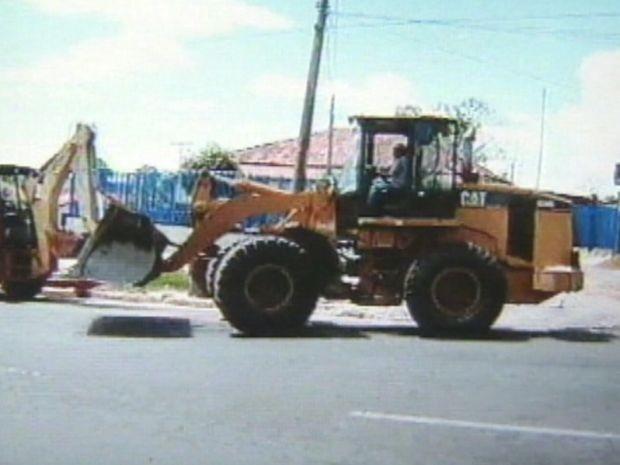 Quadrilha roubava máquinas utilizadas em serviço de terraplanagem na região de Botucatu  (Foto: arquivo/ TV Tem)