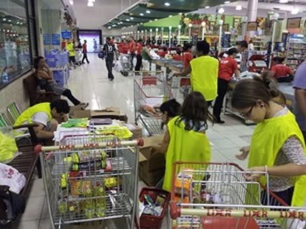 Voluntários vão orientar as pessoas a doarem alimentos (Foto: divulgação)