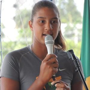 Campeã mundial de vôlei d praia, a norte-mineira Ana Patrícia prestigiou o evento (Foto: Fredson Souza/MCV)