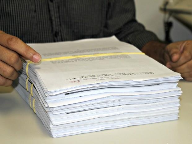 Processo protocolado no TRE-AM contra Artur Neto (Foto: Adneison Severiano G1/AM)