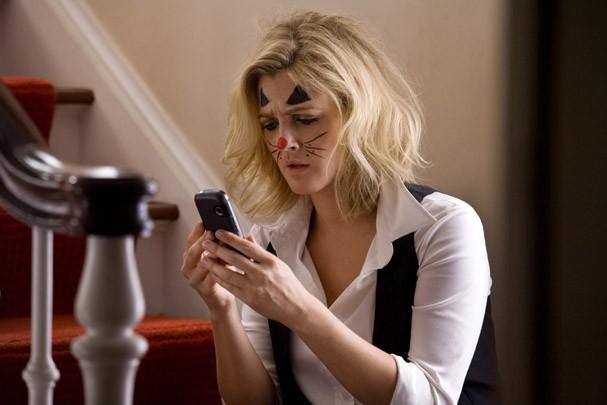 """Drew Barrymore em cena de """"Amor à Distância"""" (Foto: Divulgação)"""