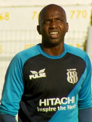 Edson Bastos, goleiro da Ponte Preta (Foto: Carlos Velardi/ EPTV)