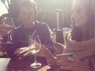 Vanessa Hudgens participa de degustação de vinho em Malibu