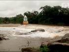 Barragem Lima Brandão sangra em Granja, no Ceará, após chuva forte